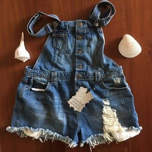 Hot kiss Ava Distressed/Raw Hem Overall -SZ 14